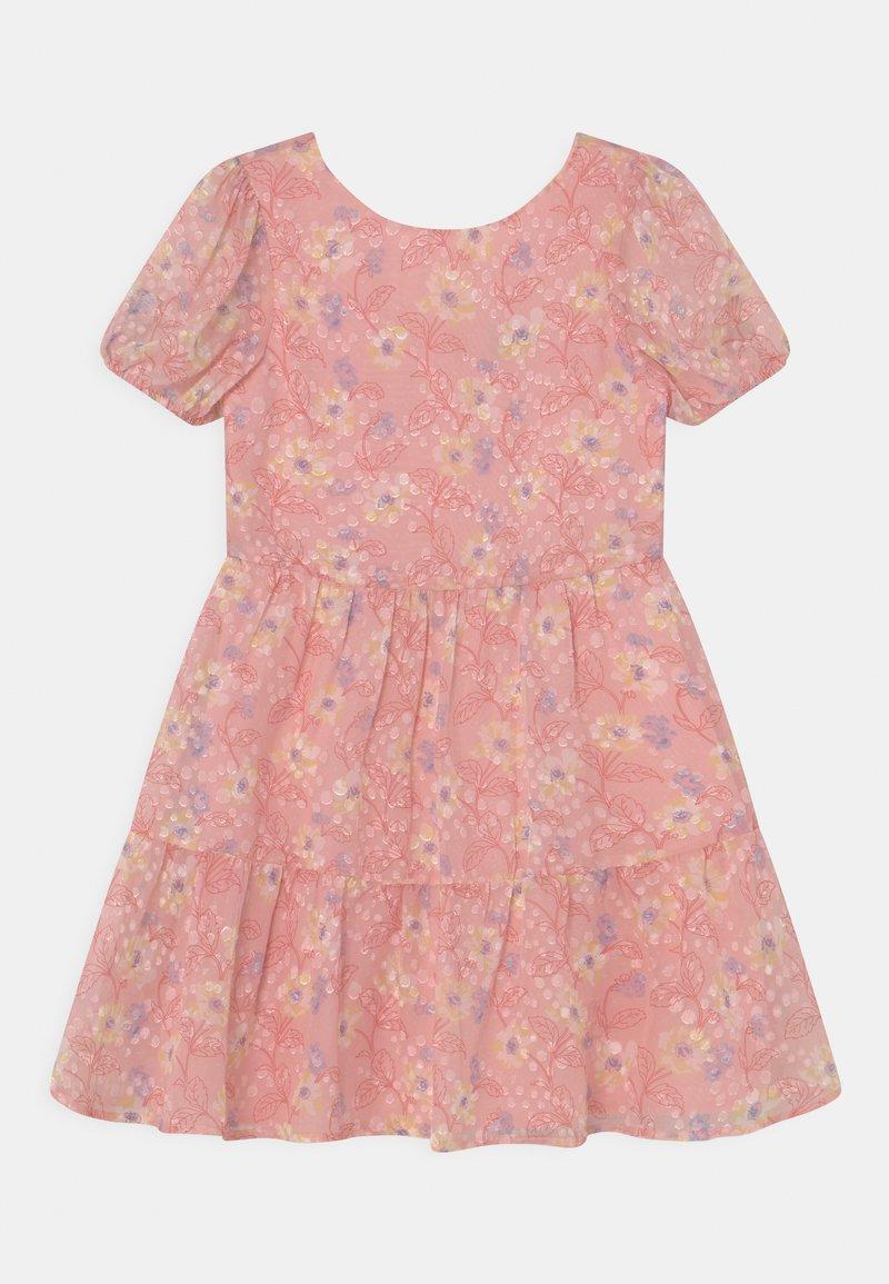 Chi Chi Girls - GIRLS PUFF SLEEVE TEXTURED FLORAL PRINT DRESS - Koktejlové šaty/ šaty na párty - pink