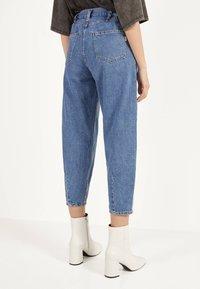 Bershka - Jeans Tapered Fit - light blue - 3