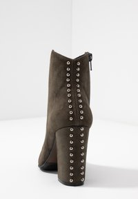 Adele Dezotti - High heeled ankle boots - laponia - 5