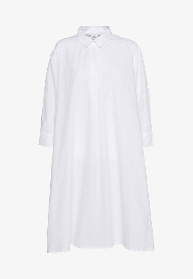 JDYSIF LONG SHIRT DRESS - Košilové šaty - bright white