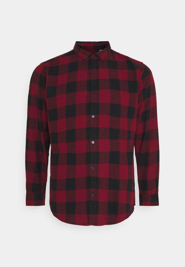 B&TONSGUDMUND CHECKED - Camisa - cabernet