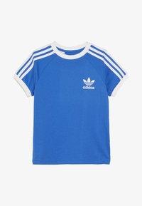 adidas Originals - 3 STRIPES TEE - Triko spotiskem - blue bird/white - 2