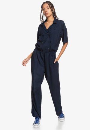 Combinaison - navy blazer