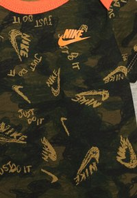 Nike Sportswear - CRAYON SET - Body - stone heather - 3