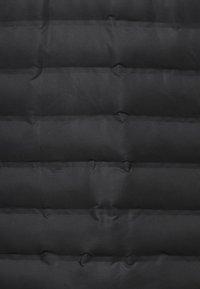 Endurance - MIT WARMER WINTERSTEPPUNG - Outdoor jacket - black - 3