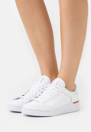 AD COURT - Zapatillas - footwear white/luminous lilac/baked earth