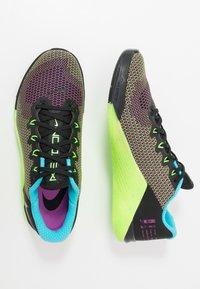Nike Performance - METCON 5 AMP - Sneaker low - black/fire pink/green strike/blue fury - 1