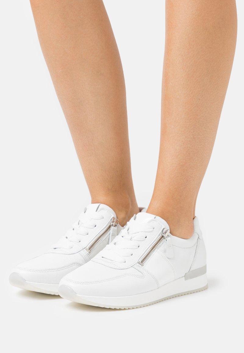 Gabor - Sneakers laag - weiß