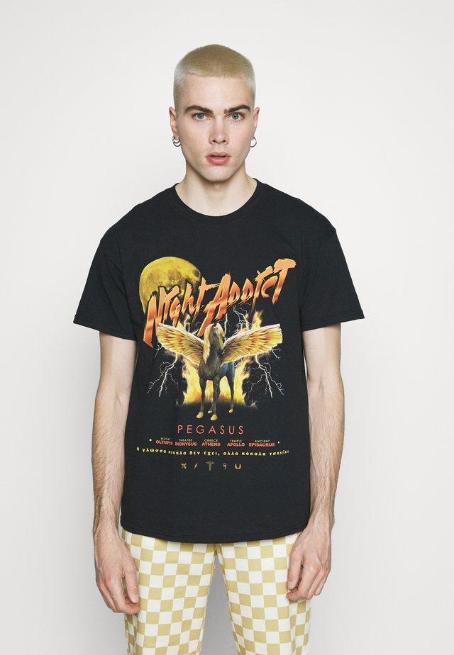 PEGASUS - Print T-shirt - black