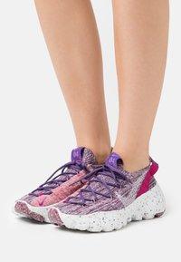 Nike Sportswear - SPACE HIPPIE - Trainers - cactus flower/photon dust/gravity purple - 0