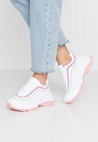 Koi Footwear - VEGAN LIZZIES - Trainers - white/light pink/multicolor - 0