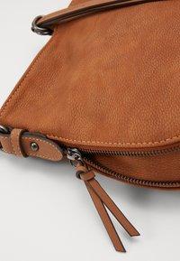 TOM TAILOR - EDDA - Across body bag - cognac - 4