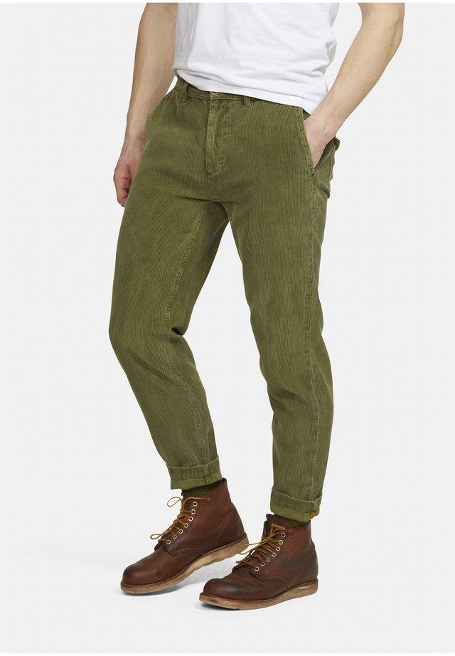 CHANNING - Pantaloni - grün