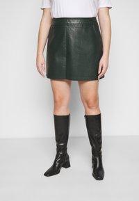 Dorothy Perkins Curve - SKIRT - Mini skirt - green - 0