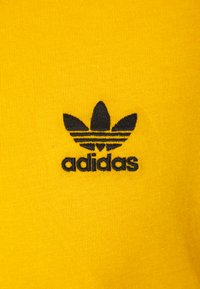 adidas Originals - ESSENTIAL TEE UNISEX - T-shirt basic - actgol - 2