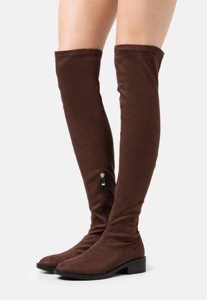 TAMARA - Høye støvler - brown