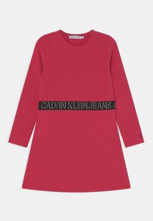 SHADOW LOGO SKATER DRESS - Jersey dress - raspberry smoothie
