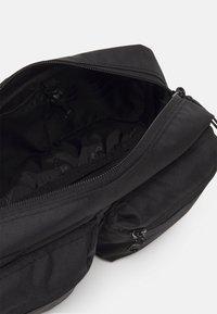 Dickies - APPLE VALLEY UNISEX - Bæltetasker - black - 2