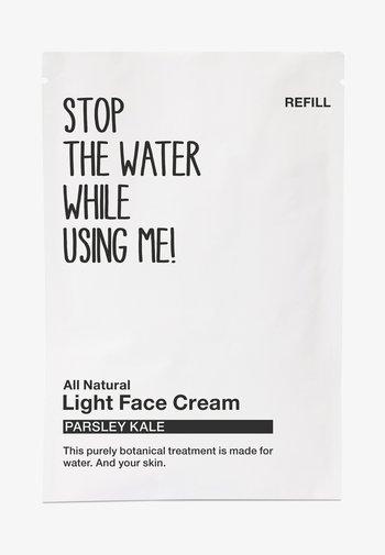 ALL NATURAL PARSLEY KALE LIGHT FACE CREAM REFILL SACHET - Face cream - black/white