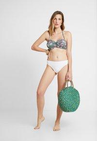 Esprit - BILGOLA - Bikini top - light khaki - 1