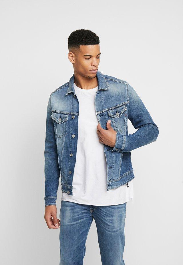 Denim jacket - medium blue