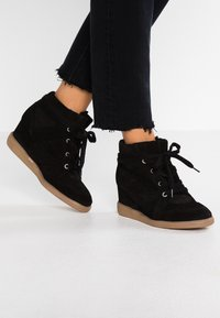 Pavement - VIBE - Ankle boots - black - 0