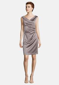 Vera Mont - MIT RAFFUNG - Shift dress - nude - 0