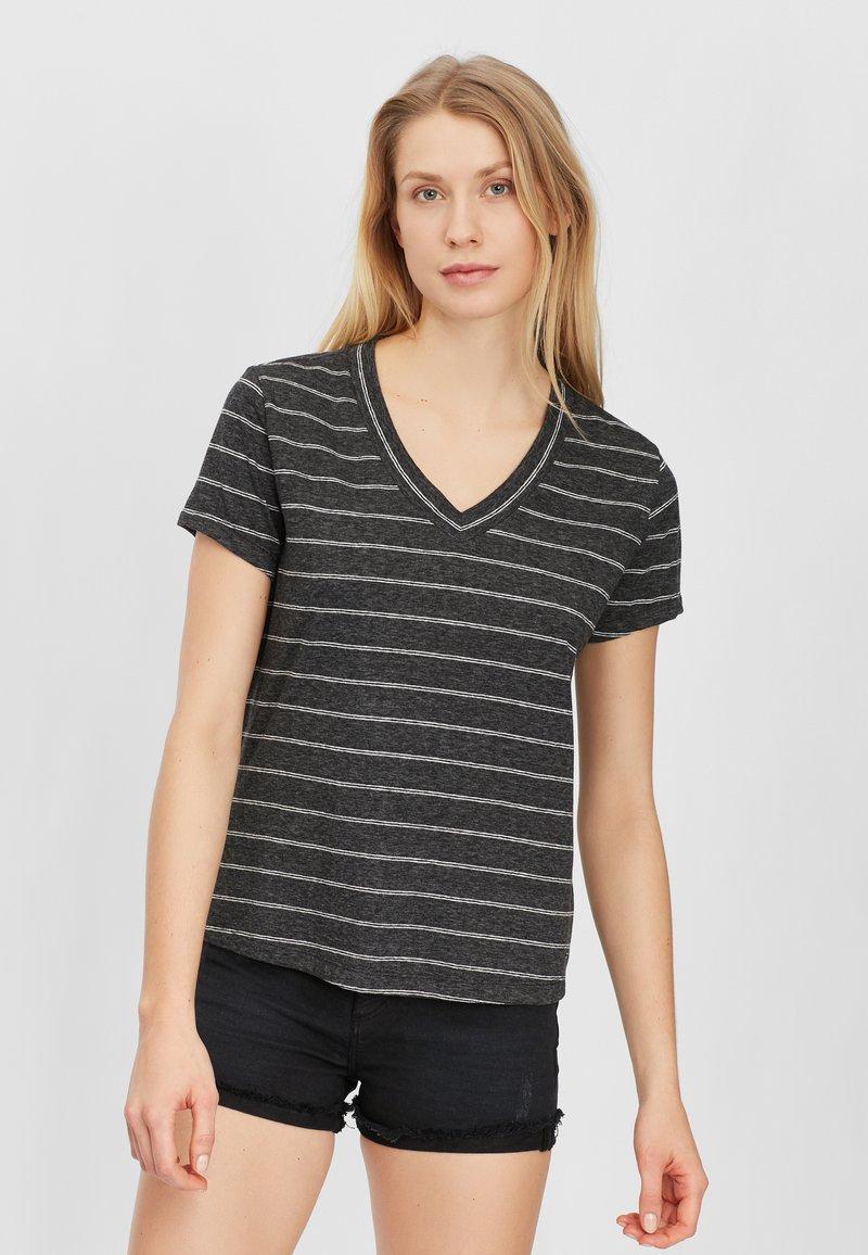 O'Neill - Basic T-shirt - black with white