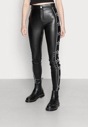 STAR PANTS WOMEN  - Broek - black/white