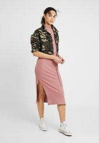 Topshop - CHUCK ON CUT AND SEW - Jumper dress - blush - 2
