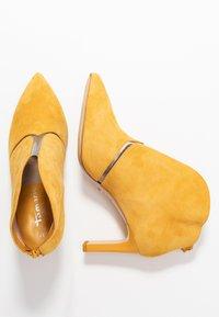 Tamaris - Boots à talons - safron - 3