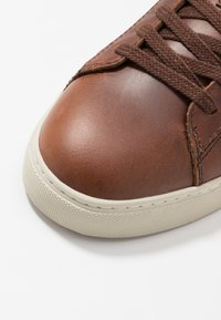 GANT - MC JULIEN - Trainers - cognac - 5