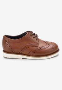 Next - TAN LEATHER BROGUES (YOUNGER) - Elegantní šněrovací boty - brown - 4