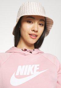 Nike Sportswear - HOODIE - Sweat à capuche - pink glaze/white - 4