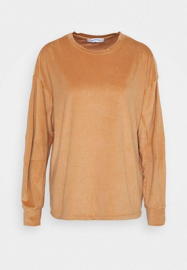 ONLAZZA - Sweatshirts - camel