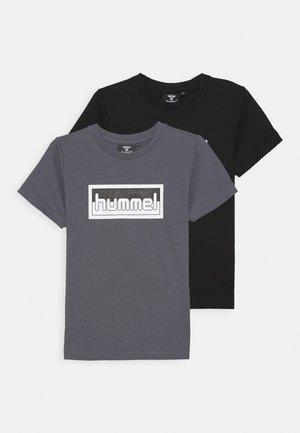 MONO 2 PACK - Print T-shirt - ombre blue/black