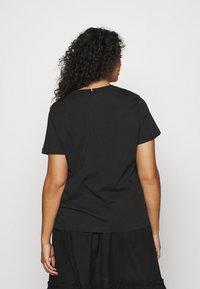 Tommy Hilfiger Curve - NEW CREW NECK TEE - Basic T-shirt - black - 2