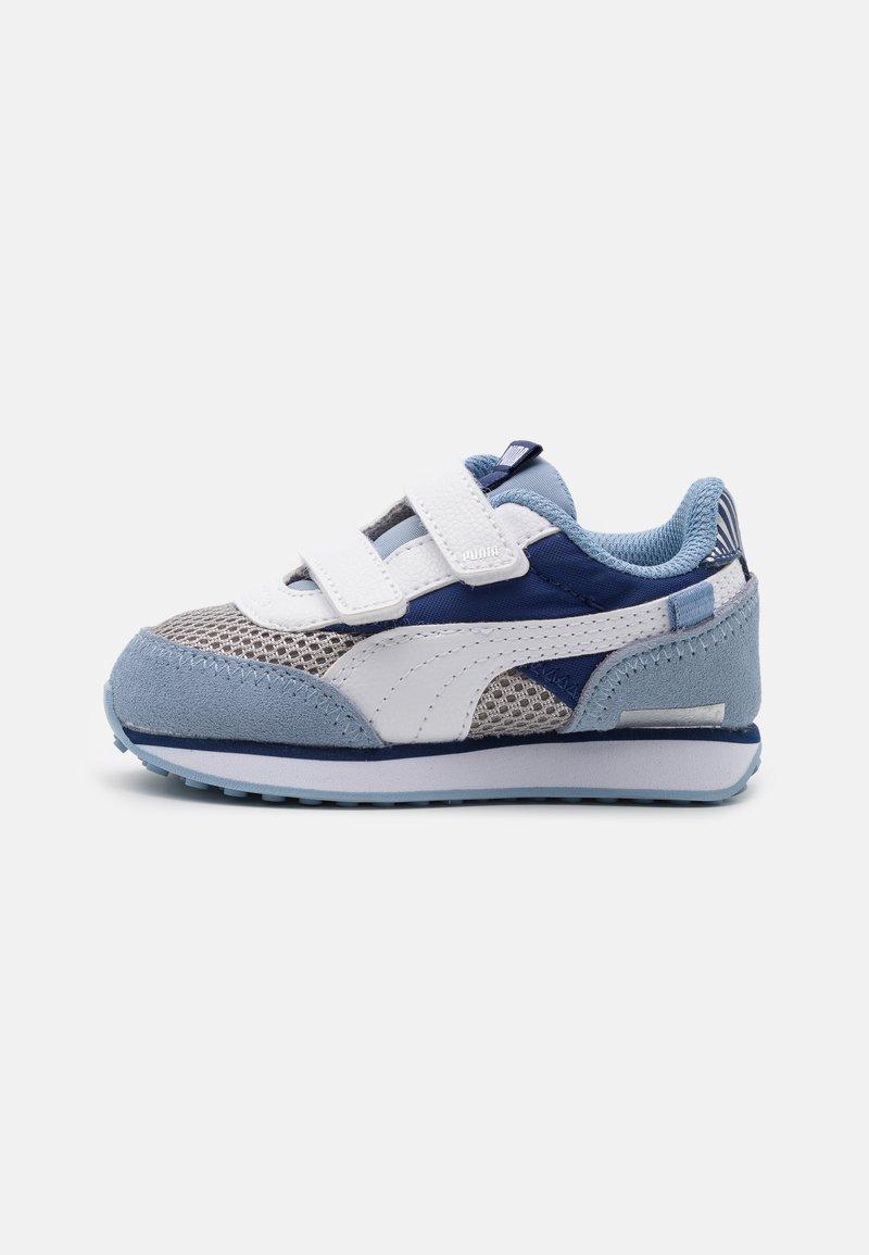 Puma - FUTURE RIDER FIREWORKS V - Tenisky - elektro blue/white