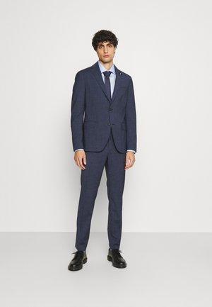 FLAP FULLY LINED VENTS FLAT FRONT TROUSER SET - Oblek - blue