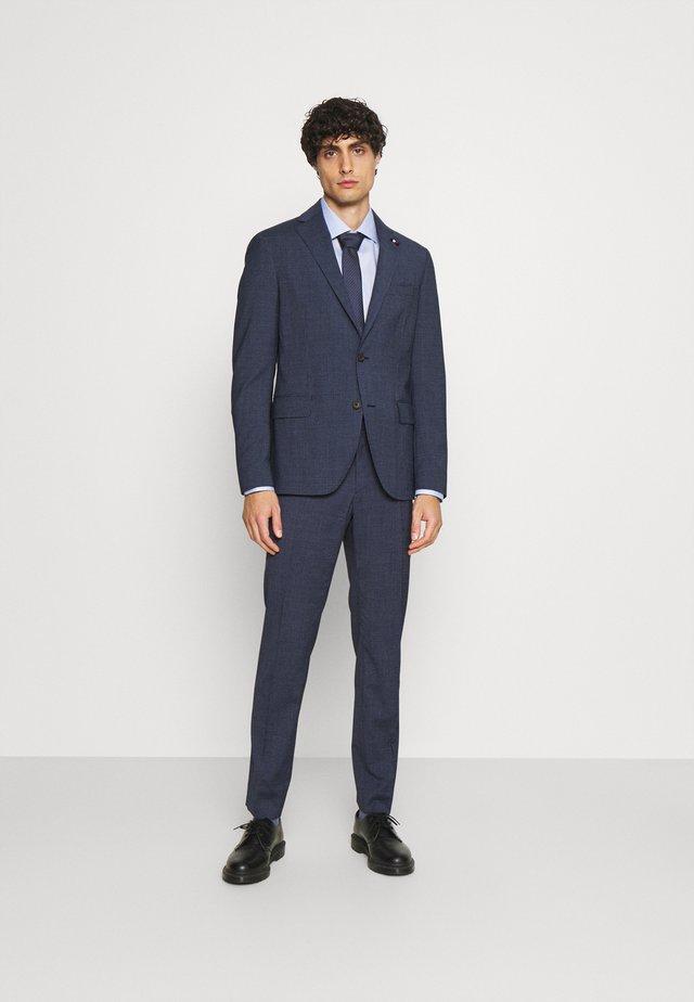 FLAP FULLY LINED VENTS FLAT FRONT TROUSER SET - Kostuum - blue