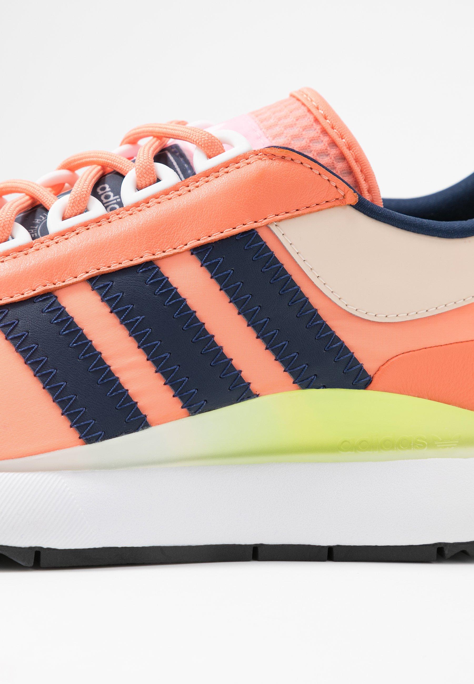 adidas Originals SL ANDRIDGE - Trainers - chalk coral/night indigo/solar yellow