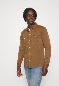 AllSaints - SPOTTER  - Camisa - clove brown - 0