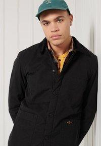 Superdry - UTILITY - Light jacket - black wax - 2
