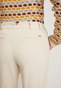 TOM TAILOR DENIM - CIGARETTE CORDUROY PANTS - Trousers - soft creme beige - 5