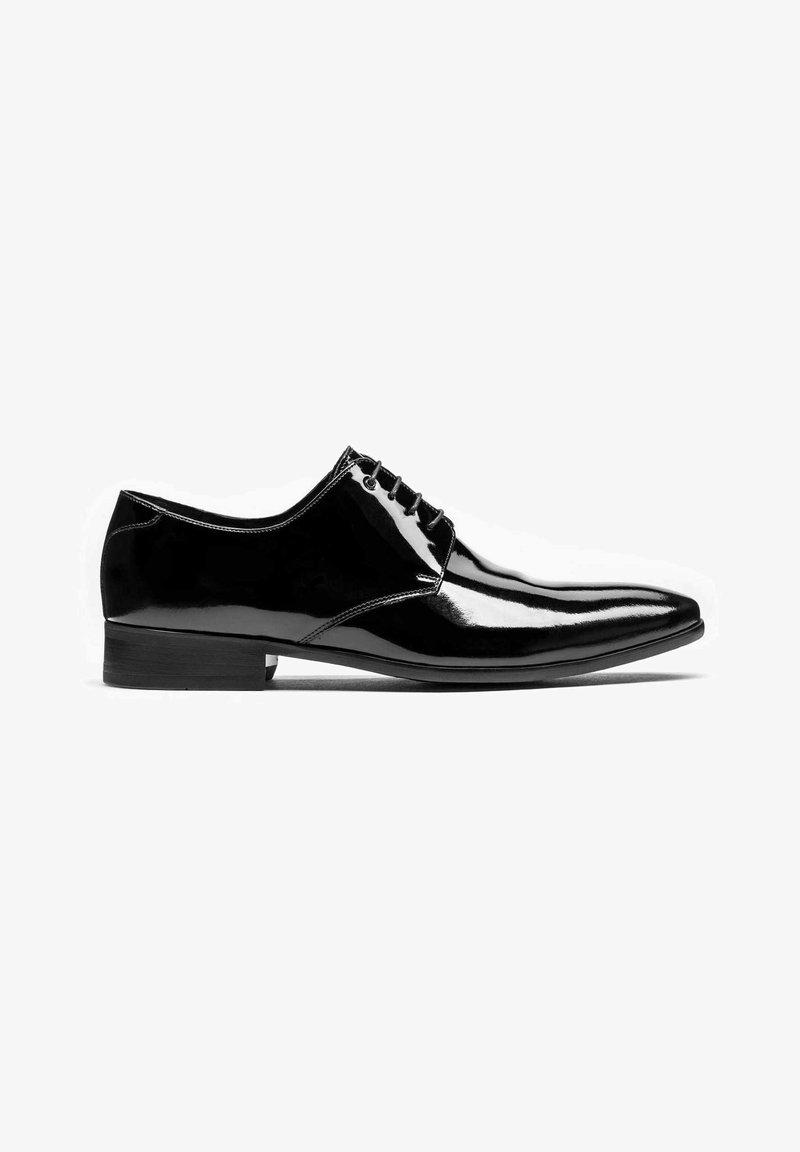 Kazar - OSVALDO - Elegantní šněrovací boty - black