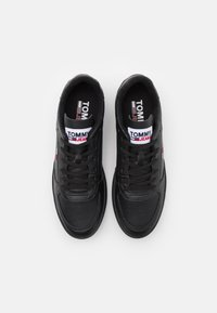 Tommy Jeans - ESSENTIAL CUPSOLE - Baskets basses - black - 3