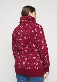 Ragwear Plus - NESKA FLOWERS - Hoodie - red - 2
