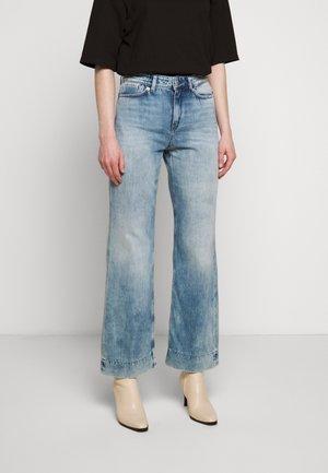 SWEEP - Široké džíny - blue denim