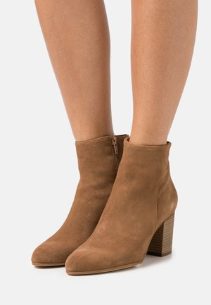 NEVADA - Ankle boots - camel