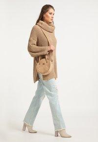 IZIA - Across body bag - camel - 0